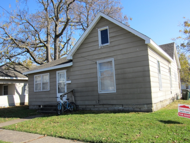 Real Estate Listing  915 S 6th St Kirksville
