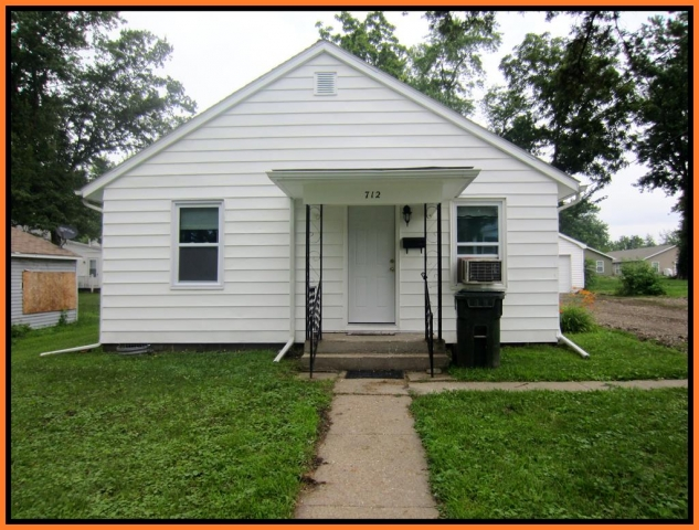 Real Estate Listing  712 Shelby Kirksville