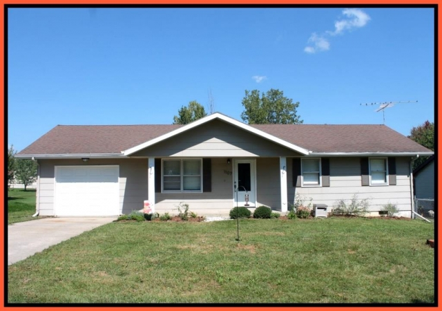 Real Estate Listing  1107 Green Way Dr. Kirksville