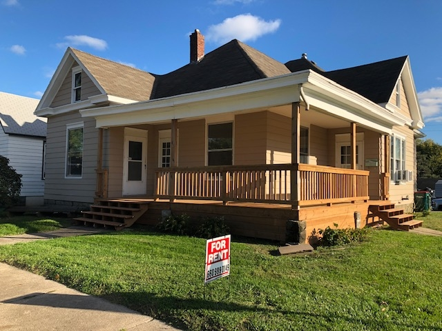 Real Estate Listing  902 E. Jefferson Kirksville