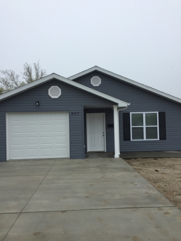 Real Estate Listing  807 W Hildreth Kirksville